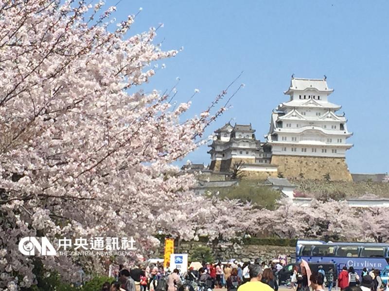 [新聞] 日本第一名城 姬路城美得像畫